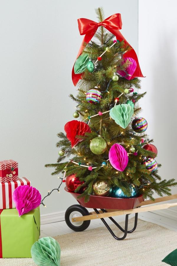Winterdeko basteln zu Weihnachten weihnachten deko baum tannenbaum