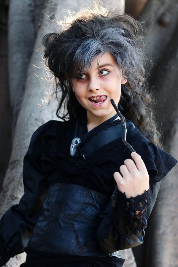 Zauberstab basteln mit Kindern zu Halloween oder Fasching – Ideen und Anleitungen Bellatrix cosplay harry potter bösewicht