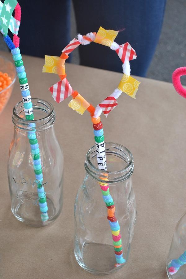 Zauberstab basteln mit Kindern zu Halloween oder Fasching – Ideen und Anleitungen zauberstäbe aus pfeifenputzer perlen washi tape
