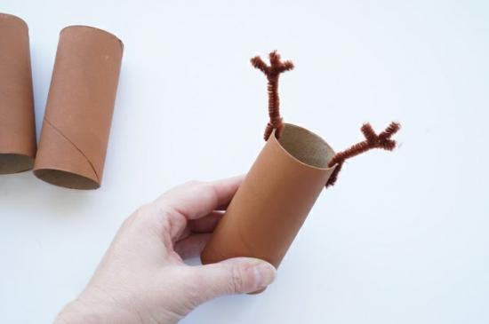 anleitung für rentier basteln aus leeren klorpapierrollen
