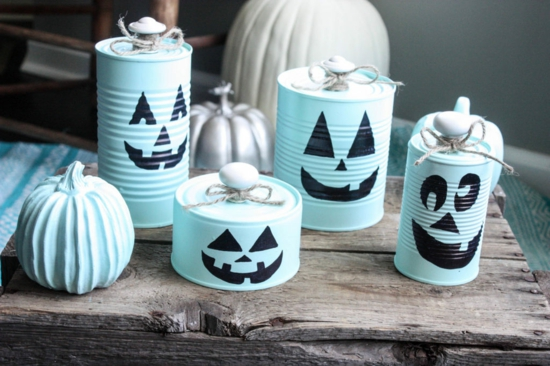 einfache tischdeko diy idee mit dosen zu halloween