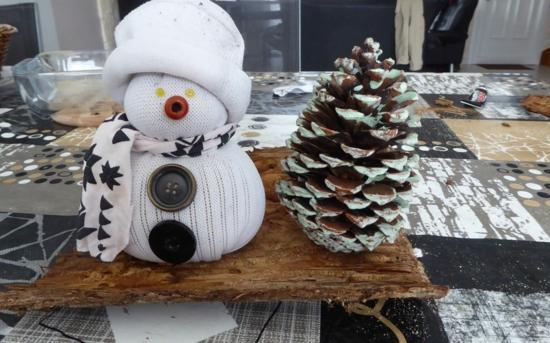 einfachen sockenschneemann weihnachtsdeko basteln