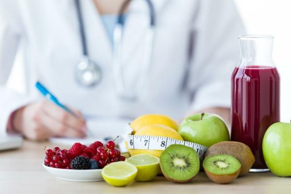 οι φρέσκοι χυμοί φρούτων ενισχύουν το ανοσοποιητικό σύστημα