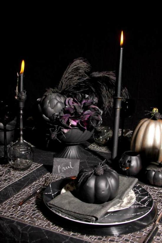 gespenstige halloween tischdeko in schwarz