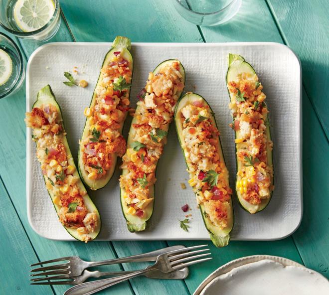 gesundes Abendessen schnelle Rezepte gefüllte Zucchini mit Maiskörnern