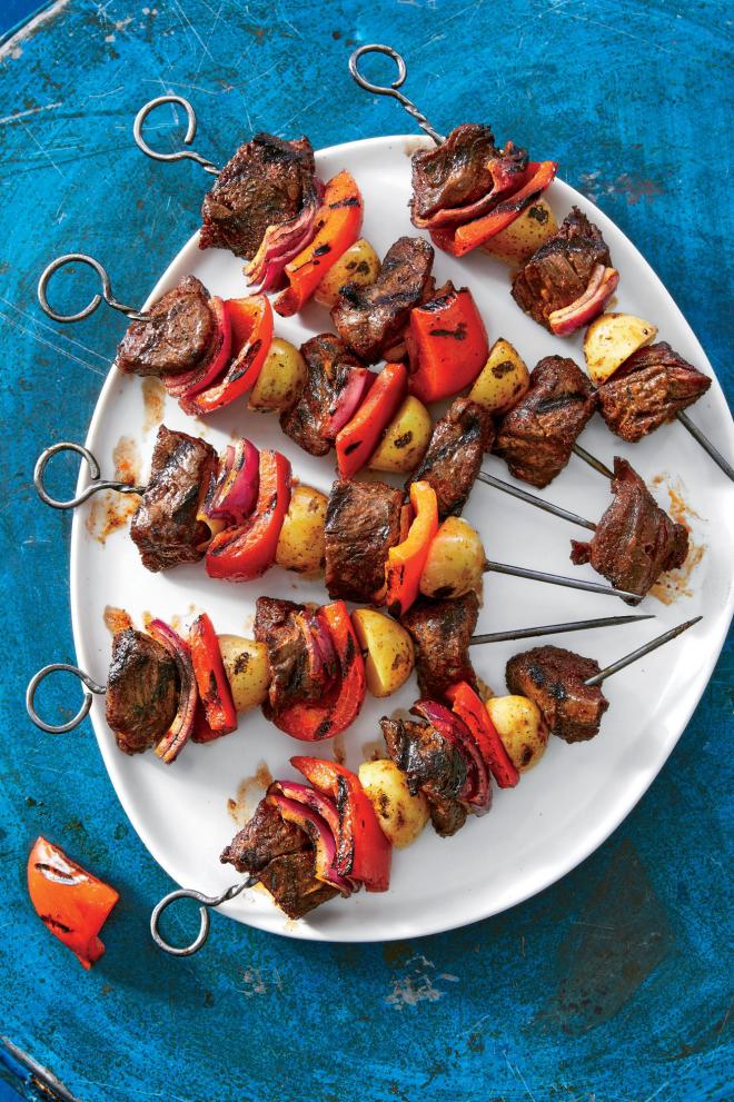 gesundes Abendessen schnelle Rezepte gegrilltes Fleisch mit Paprika Kartoffeln
