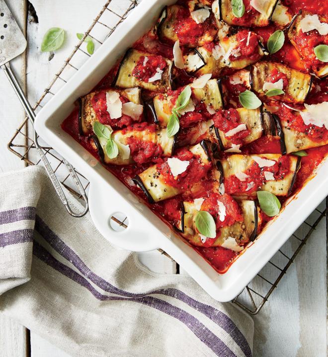 gesundes Abendessen schnelle Rezepte vegetarisch Auberginen mit Mozzarella in Tomatensoße