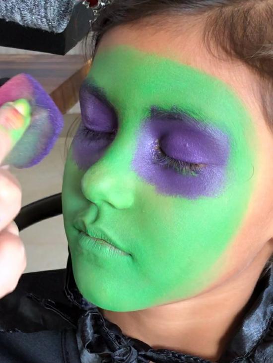 grüne kleine hexe schminken 02