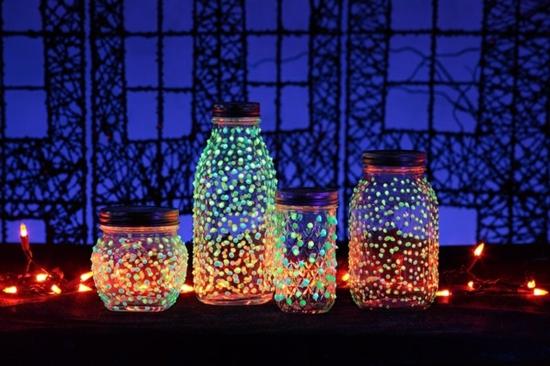 halloween deko basteln leuchtfarbe gläser