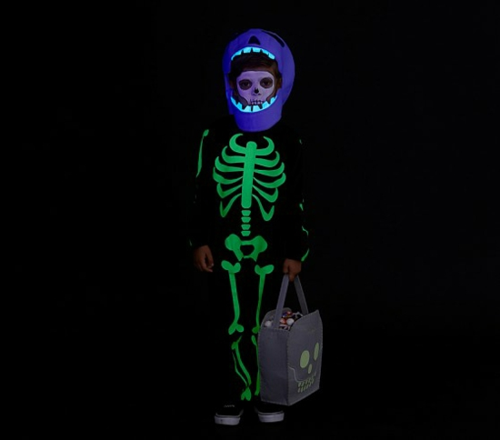 halloween kostüm kinder mit leuchtfarbe