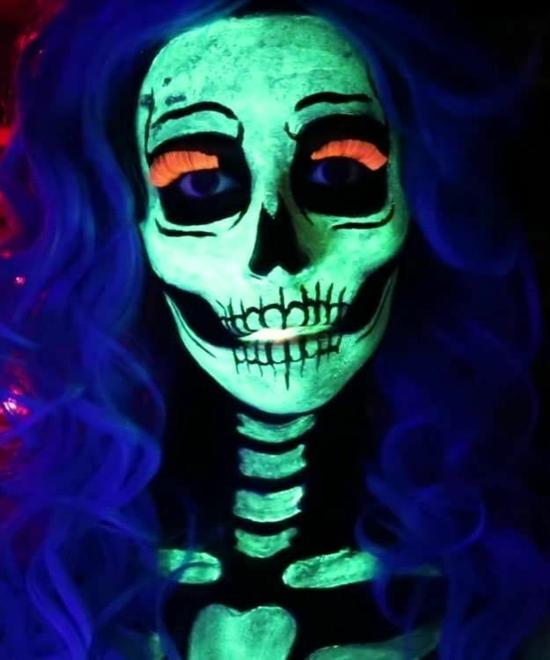 halloween totenkopf schminken leuchtfarbe