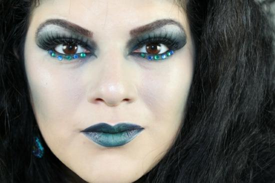 hexe schminken halloween glitzerndes make up