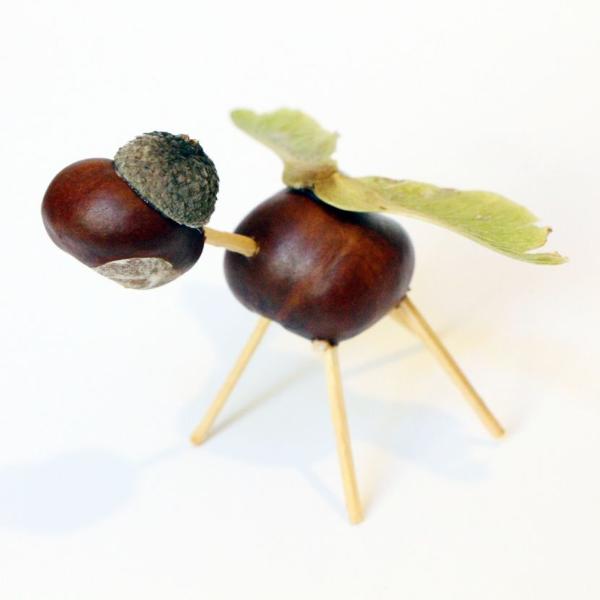 kleine figuren bastelideen Kastanienfiguren