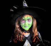Hexe schminken – 4 Anleitungen und ganz viele Schminkideen zu Halloween und Fasching