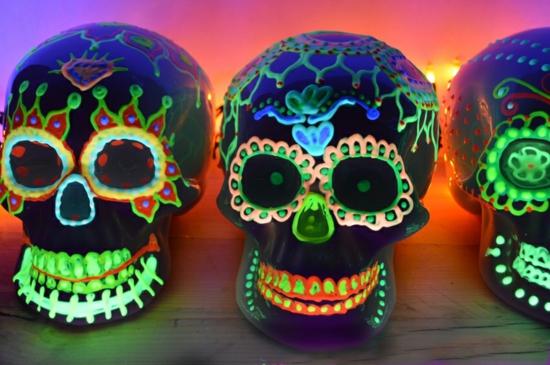 leuchtfarbe deko ideen halloween