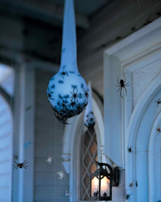 leuchtfarbe schleim spinnen deko halloween idee
