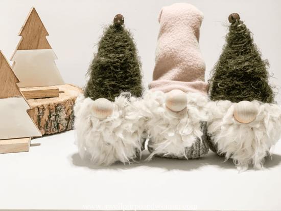 wichtel basteln weihnachtsdeko aus alten socken