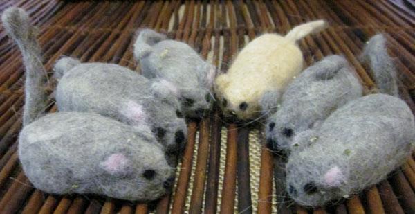 Basteln mit Katzenhaaren DIY Projekte mit Tierhaaren Mäuse