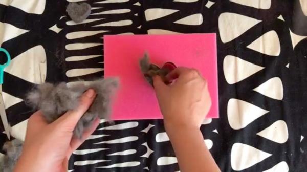 Basteln mit Katzenhaaren Herz basteln Schritt für Schritt Anleitung