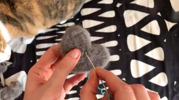 Basteln mit Katzenhaaren Herz basteln und aufhängen Anleitung