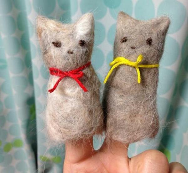 Basteln mit Katzenhaaren filzen kleine Katzenfiguren