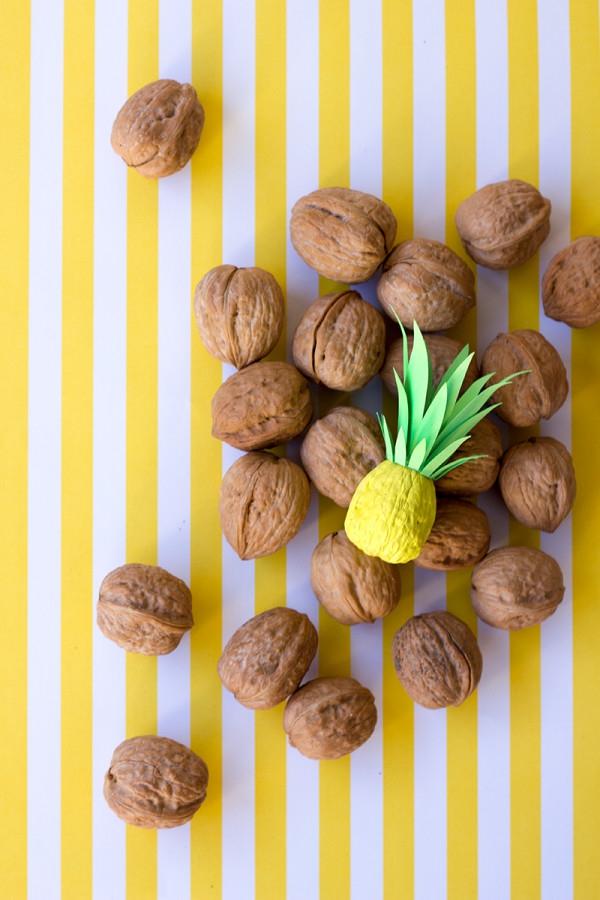 Basteln mit Walnüssen zu Weihnachten und nicht nur – Ideen und Anleitung ananas basteln kreativ bunt
