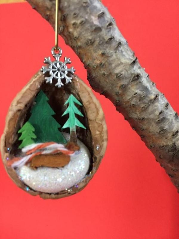 Basteln mit Walnüssen zu Weihnachten und nicht nur – Ideen und Anleitung winterlandschaft kreativ wald
