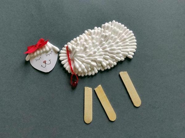 Basteln mit Wattestäbchen Schaf Materialien