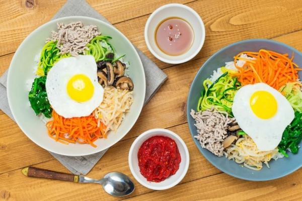 Bibimbap Rezept Reispfanne nach korianischer Art zubereiten