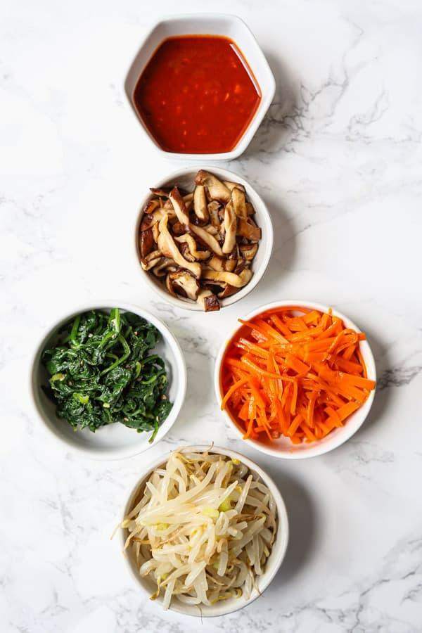 Bibimbap Rezept korianische Reispfanne zubereiten Zutaten Gemüse