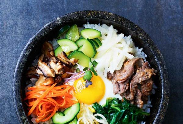 Bibimbap Rezept korianische Reispfanne zubereiten