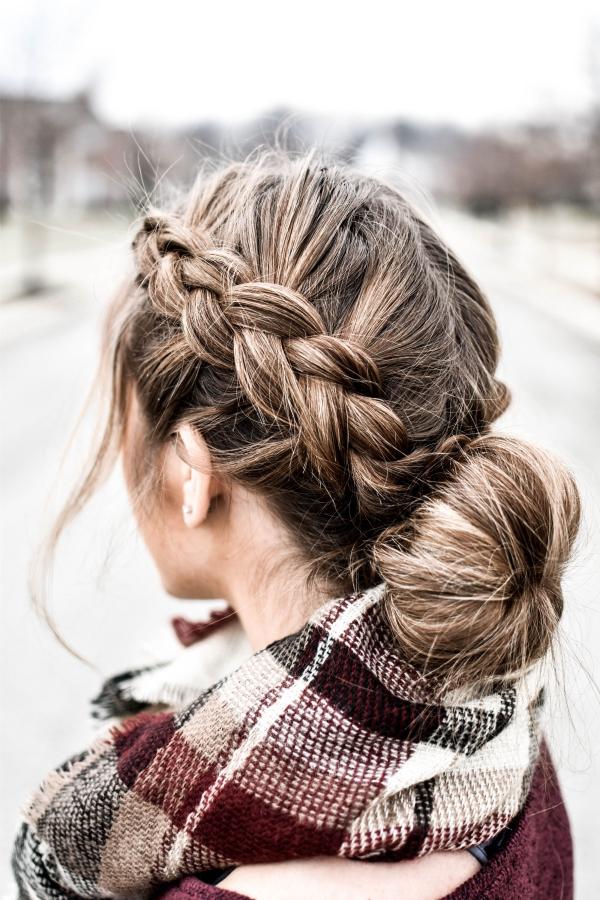 Hübsche, schnelle und einfache Frisuren für Anfänger, die in 5 Minuten machbar sind dutt und zopf winter frisur