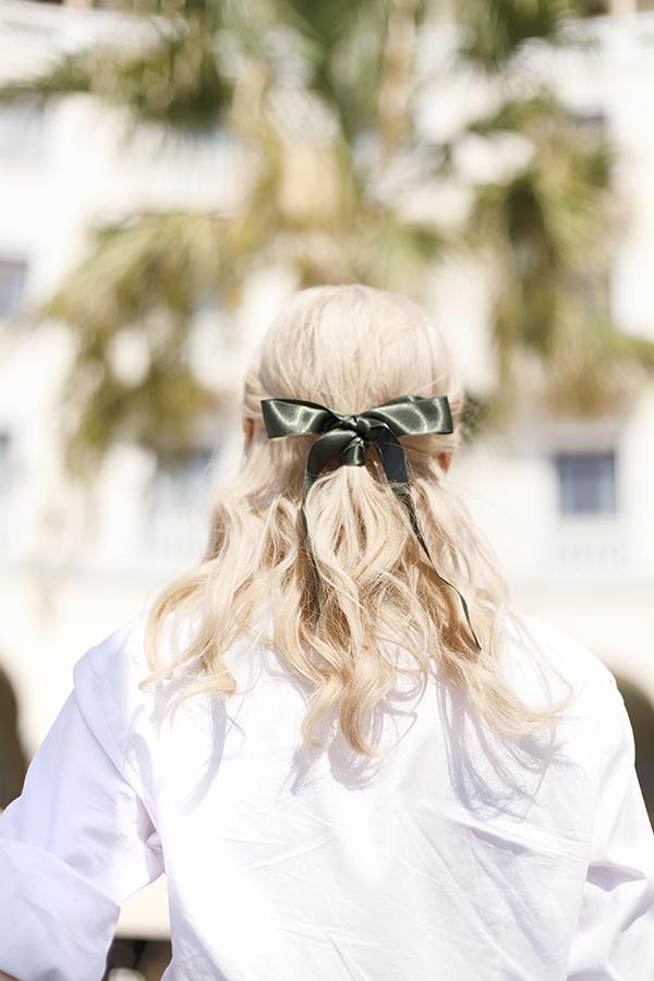 Hübsche, schnelle und einfache Frisuren für Anfänger, die in 5 Minuten machbar sind schöne frisur mit schleife half up half down