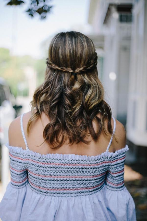 Hübsche, schnelle und einfache Frisuren für Anfänger, die in 5 Minuten machbar sind sommer frisur half up half down