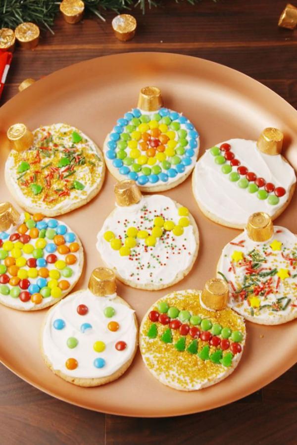 Köstliche Plätzchen Rezept Ideen für ein genussvolles Weihnachten essbare ornamente bunt bemalt