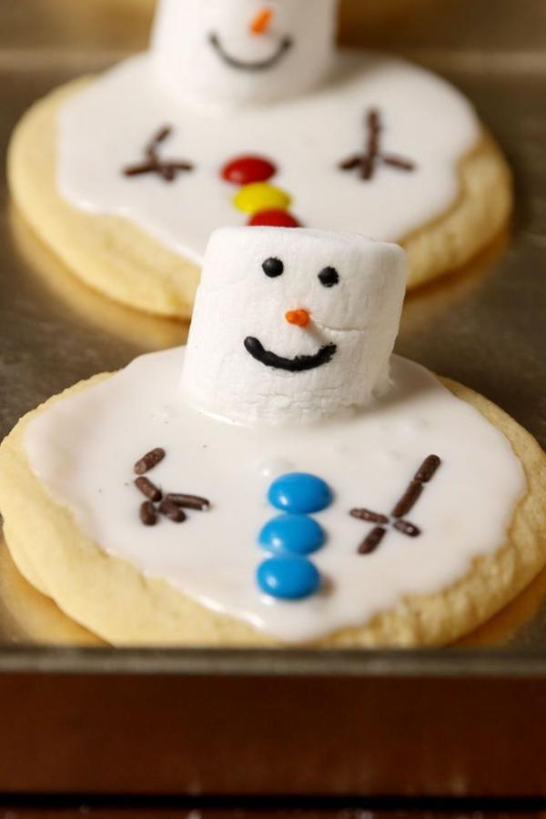 Köstliche Plätzchen Rezept Ideen für ein genussvolles Weihnachten geschmolzene schneemänner kekse