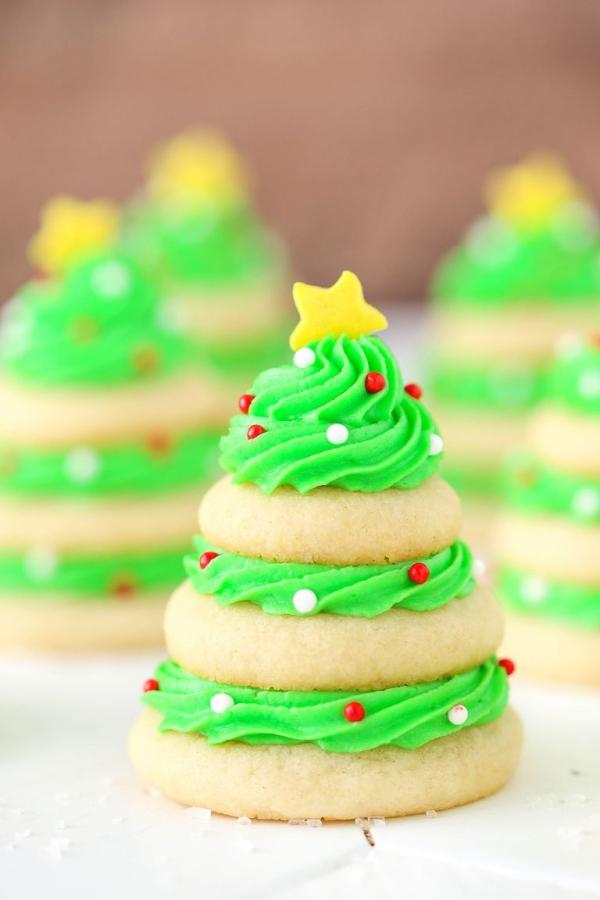 Köstliche Plätzchen Rezept Ideen für ein genussvolles Weihnachten kekse bäumchen schmuck