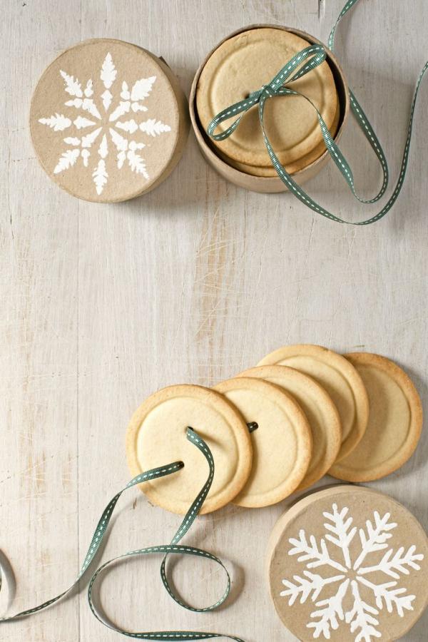 Köstliche Plätzchen Rezept Ideen für ein genussvolles Weihnachten knöpfe kekse deko geschenk idee