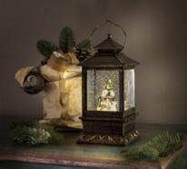 Laternen in der Weihnachtsdeko – tolle Eyecatcher für drinnen und draußen