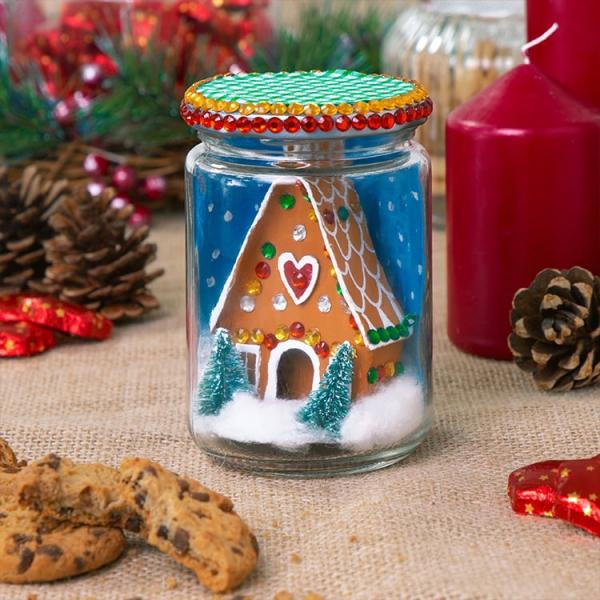 Lebkuchenhaus basteln zu Weihnachten – festliche Ideen, Rezept und Anleitung winziges haus in einmachglas diy