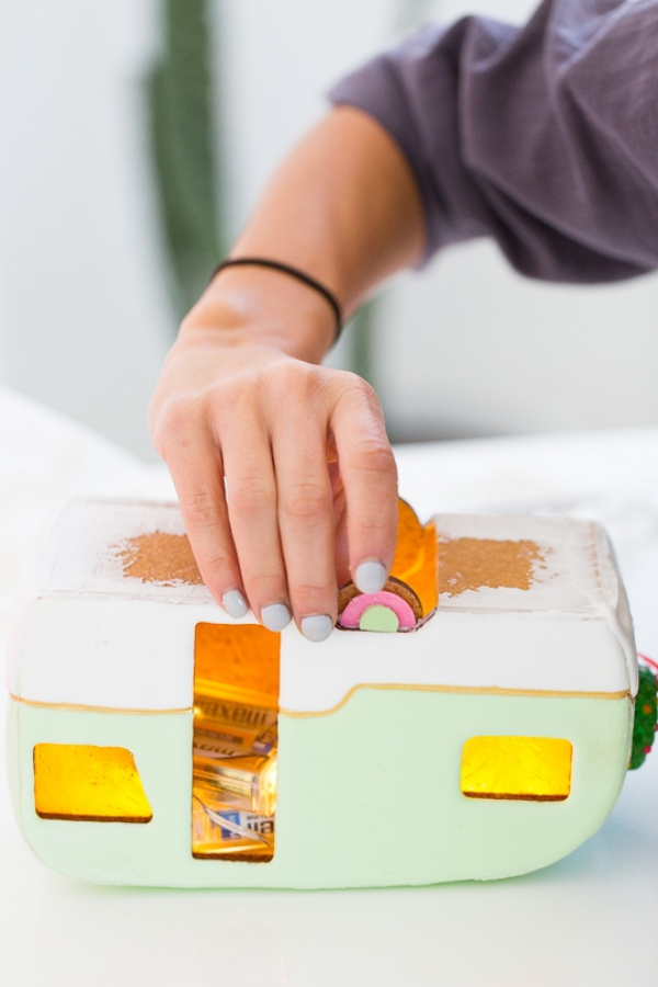 Lebkuchenhaus basteln zu Weihnachten – festliche Ideen, Rezept und Anleitung wohnwagen räder anleitung