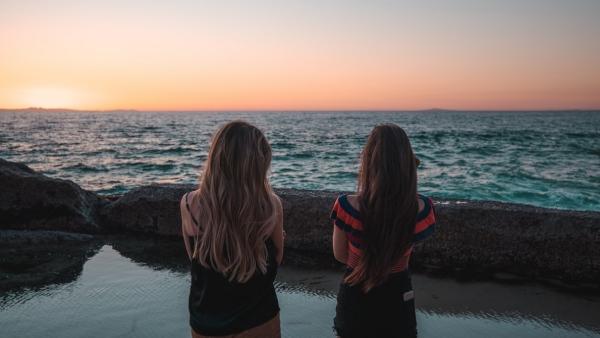 Liebliche und ausgefallene Geschenke für die beste Freundin bff am strand freundinnen für immer