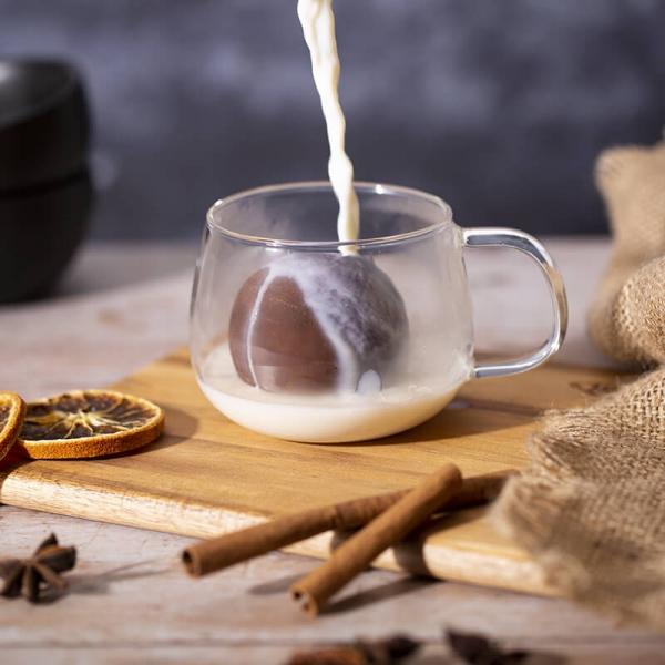 Liebliche und ausgefallene Geschenke für die beste Freundin heiße schokolade milch glas