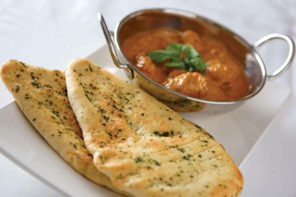 Naan Brot backen indische Küche verschiedene Arten von Brot