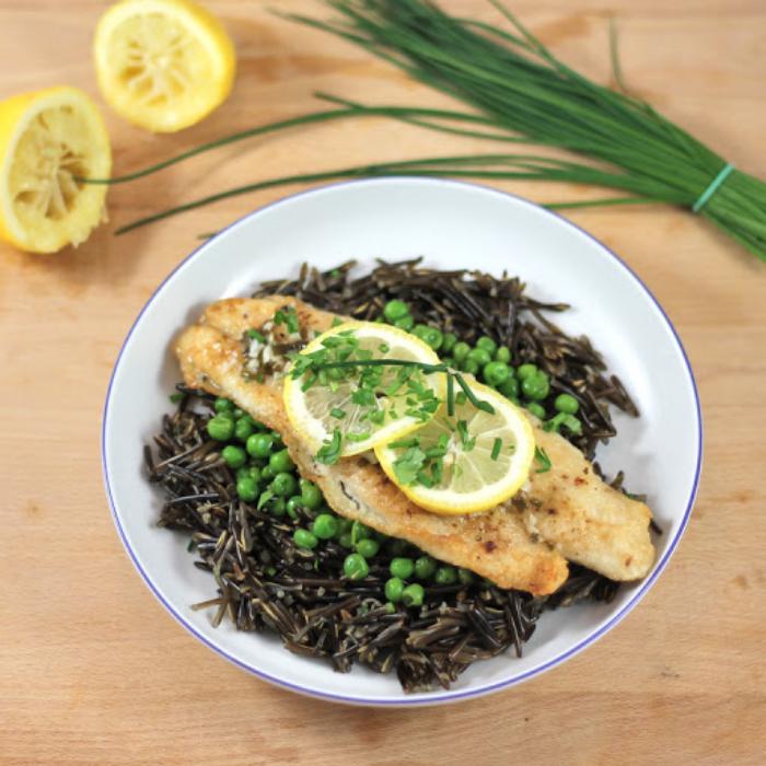 Reisdiät abnehmen echter brauner Basmati Reis mit Fischfilet