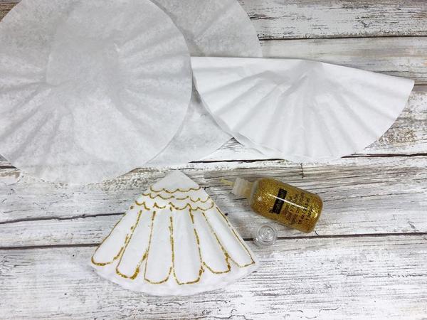 Schutzengel basteln mit Kindern zu Weihnachten – zauberhafte Ideen und Anleitung kleid dekorieren gold