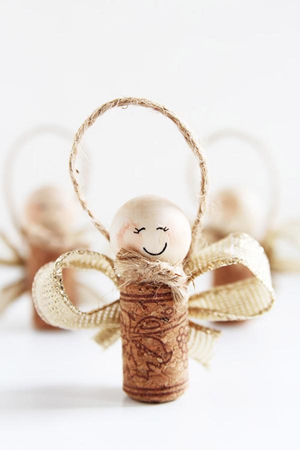 Schutzengel basteln mit Kindern zu Weihnachten – zauberhafte Ideen und Anleitung weinkorken ornament engel