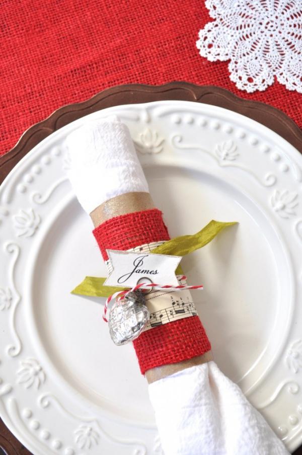 Serviettenringe basteln zu Weihnachten – Stilvolle Ideen und Anleitungen für eine festliche Tischdeko klorollen deko filz notiz