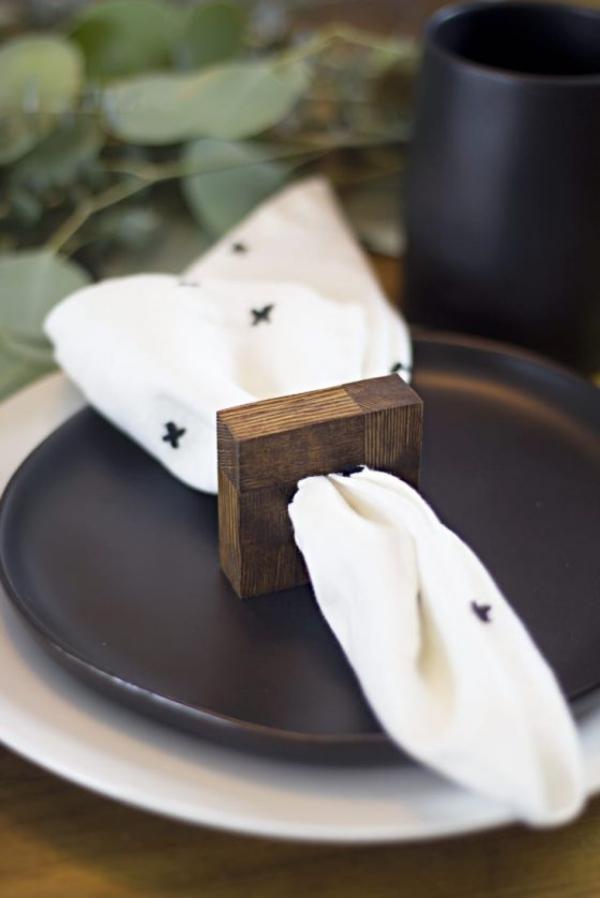 Serviettenringe basteln zu Weihnachten – Stilvolle Ideen und Anleitungen für eine festliche Tischdeko moderne idee holz