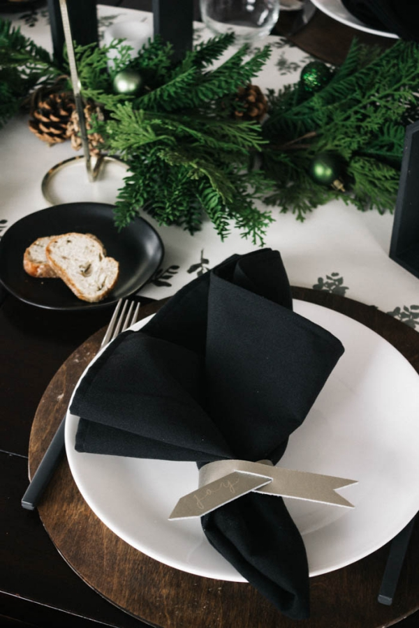 Serviettenringe basteln zu Weihnachten – Stilvolle Ideen und Anleitungen für eine festliche Tischdeko moderne stilvolle minimalistische deko leder